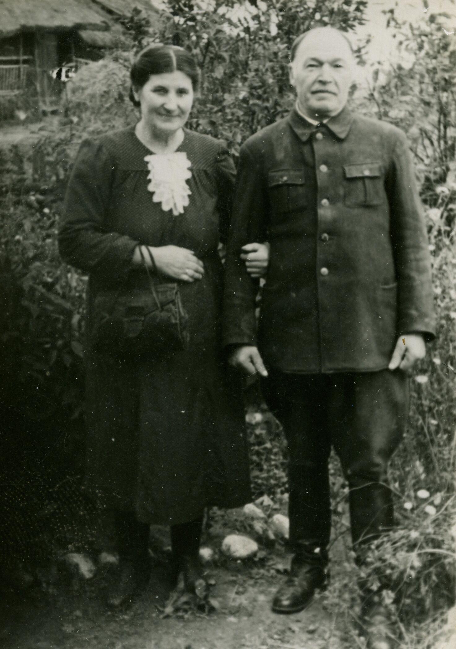 Stanisław i Ewa CYPLA - Zapole około 1950 roku.