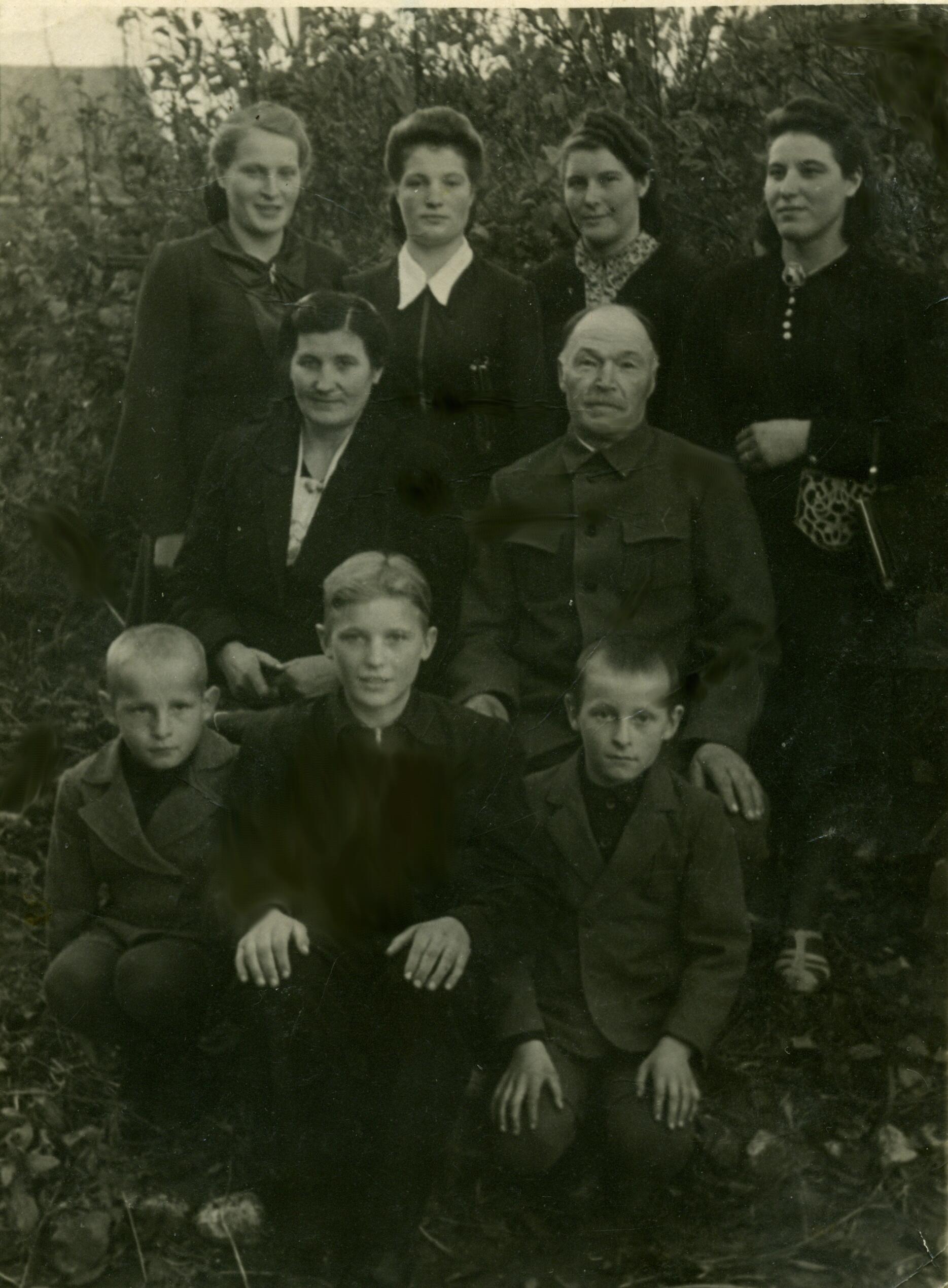 Zapole - rodzina CYPLA (około 1955 roku)