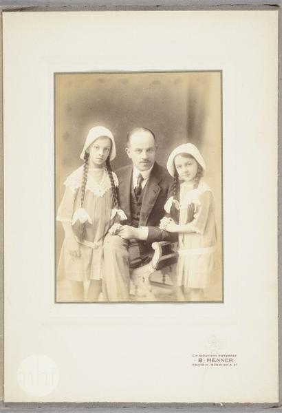 Maria i Krystyna Tołłoczkówne ze Stanisławem Jorasz, portret